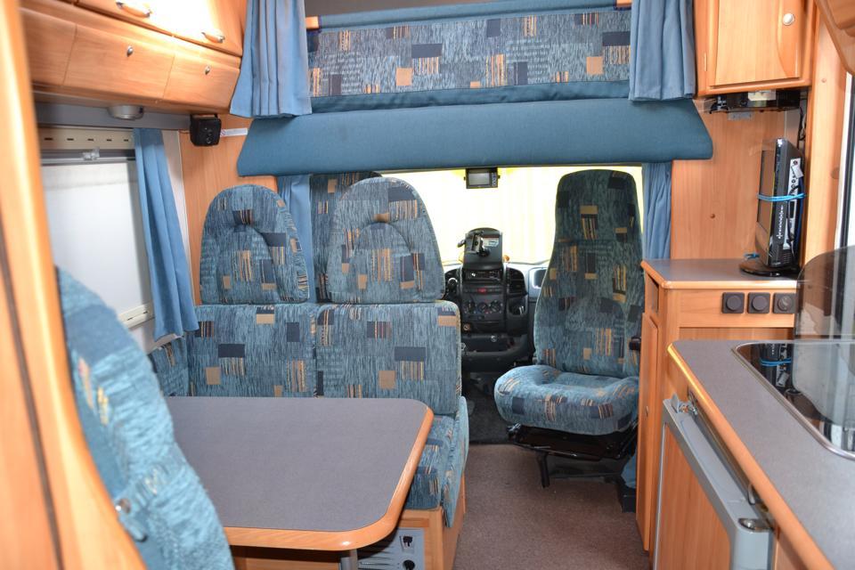 Kussens Caravan Bekleden : Caravan stofferen prijs u ochtend schoonmaakwerk